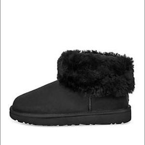 UGG Classic Mini Fluff Booties NIB 7 Black